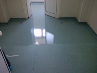 Spitalul Judetean Targu Mures - bloc operator - reconditionat covor PVC si aplicat protectie poliuretanica
